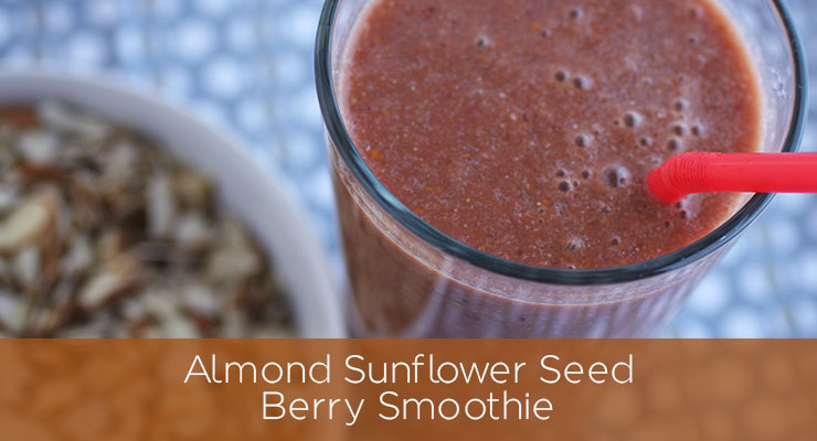 Recipe: Almond Sunflower Seed Berry Smoothie